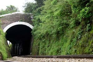 shimla-railway-track-tunnel